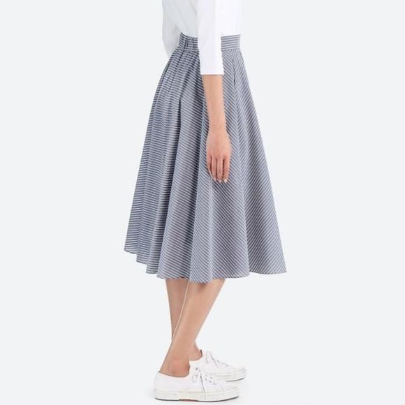 21e1a11664 Uniqlo Midi Circle Skirt. M_5b69adc63e0caabae7487123